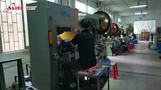 Strictly control the quality of metal sign custom process processing and finalization-Alice factory