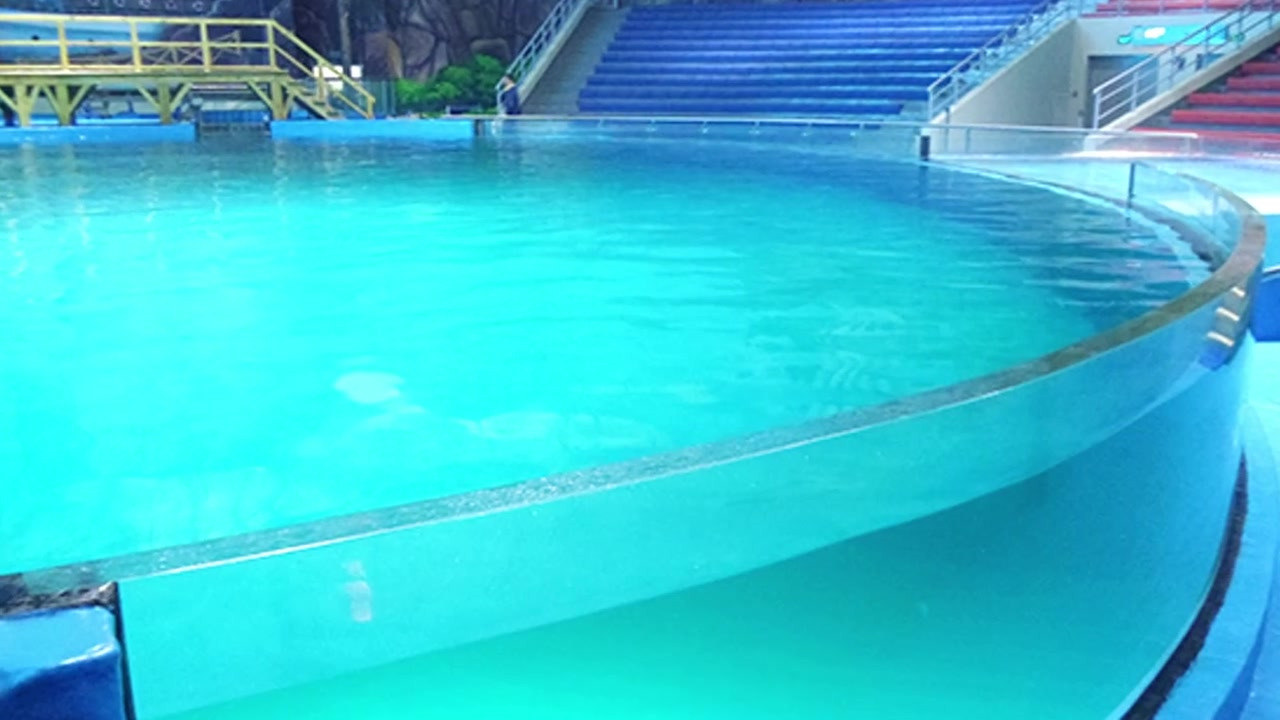 Professional Acrylic swimming pool manufacturers