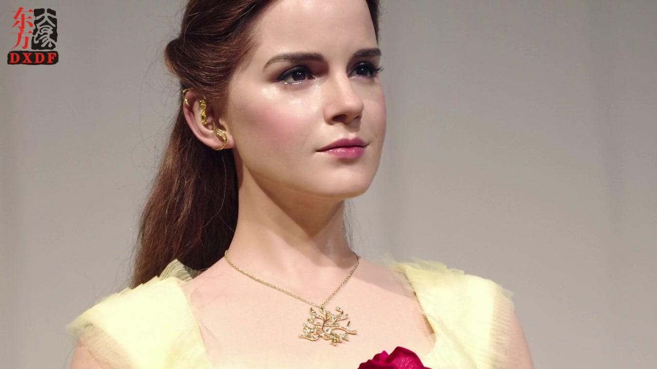 Carácter realista en la belleza y la figura de cera de la bestia para Emma Watson