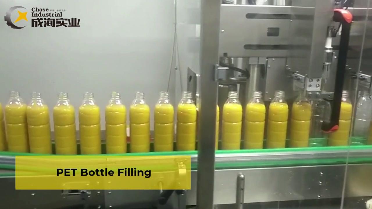 Pulpa de mango en la línea de procesamiento de botellas de mascotas