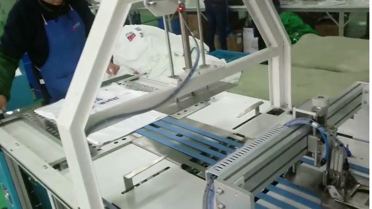 Workshop တွင်အဝတ်အထုပ်စက်ထုတ်လုပ်မှုလိုင်း