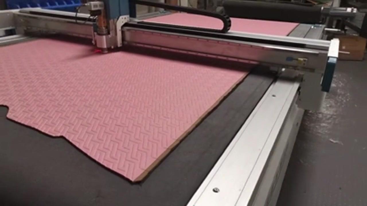 Mesin pemotong lembaran karet pemotong busa juga digunakan untuk memotong kertas & kain & kulit